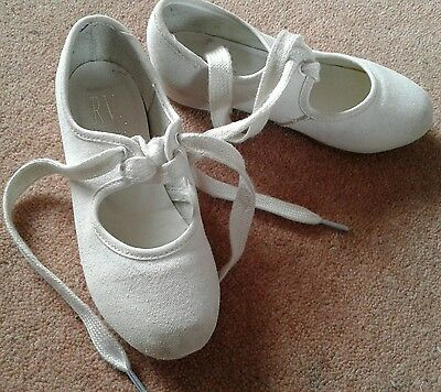 Girls White tap dance shoes, size 9 (junior)
