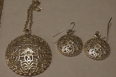 Signed NR Avon Circular Pendant Necklace with Matching Dangle Earrings