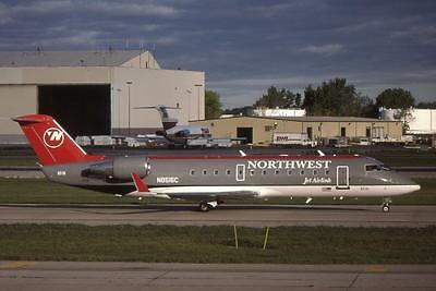 Original 35mm Aircraft Slide Northwest Airlines Canadair CRJ-200ER N8516C