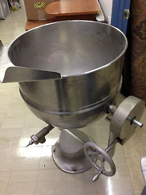 Groen Steam Tilt Kettle 30--35 Gallon Commercial Ki    NO RESERVE