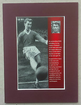 Kenny Morgans - Manchester United Signed Mounted Picture 1950S Busby Babe