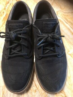 Nike -Sz. 7 M- SB Zoom Stefan Janoski Black, Anthracite, & Gum Canvas Shoes