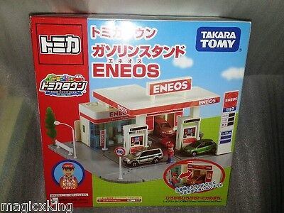 Tomy Takara Tomica Town Scene Eneos Gas Station Japan Limited w Plakids RARE