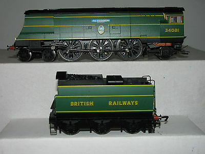 """Hornby OO R2220 BR 4-6-2  Battle of Britain Class 34081 """"92 Squadron"""""""