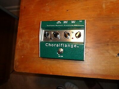 Fulltone ChoralFlange Chorus and Flange in one pedal.