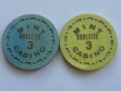 LAS VEGAS Chip The MINT Casino Downtown Roulette Scrown Mold - LOT of 2 Differnt