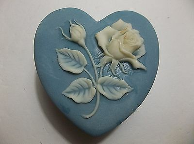 Vintage INCOLAY Stone HEART Trinket Box BLUE White ROSES