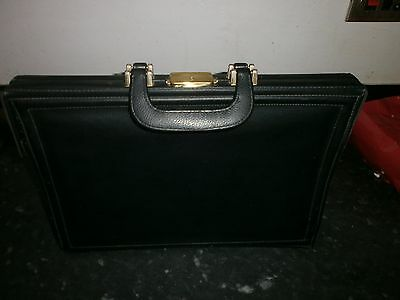 Lovely Vintage Black Doctors Briefcase With 4 Inner Compartments