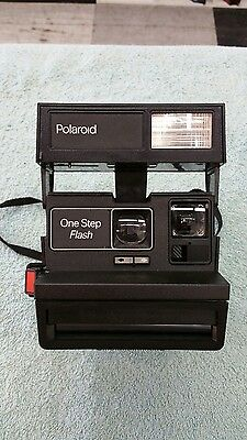 Vintage Polaroid One Step Camera with Flash 600 Film Close Up Instant