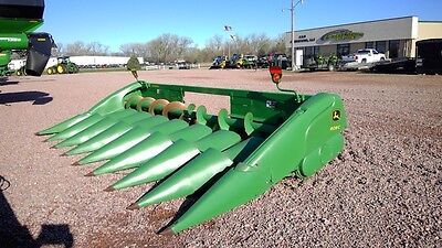 2010 John Deere 608C Headers