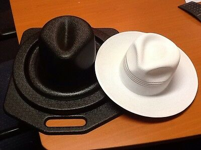Cricket umpires hat protector / box / carrier