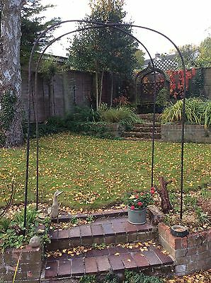 Garden Metal Archways With Criss Cross