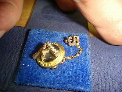 Vintage Avon Highest Honor Pin 10 K Yellow Gold Seed Pearl 5 case brooch estate