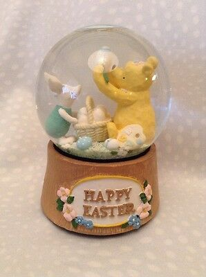 Retired Classic Pooh Disney Winnie The Pooh Easter Piglet Snowglobe Musical