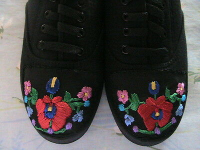 HUNGARIAN HAND EMBROIDERED BLACK LACE-UP CANVAS TENNIS SHOES~Size 8