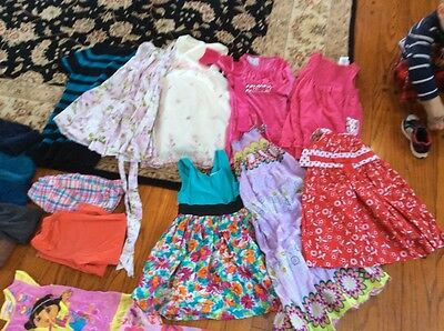 Huge Lot of 28 Girl Clothes Outfits Size 5/6 Name Brand Gap Childrens place