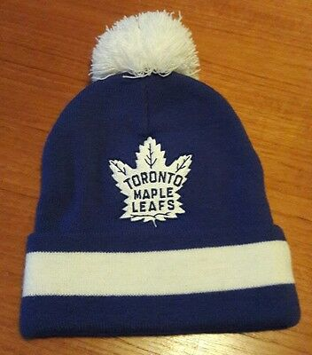 Toronto Maple Leafs bobble hat NHL Ice Hockey