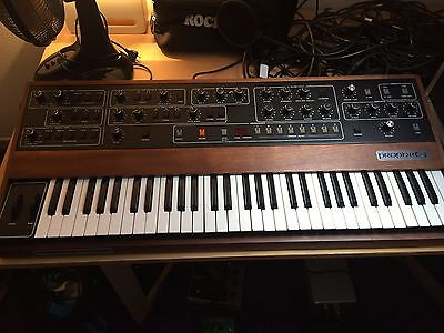 PROPHET 5 SEQUENTIAL CIRCUITS REV 3.2 With Kenton MIDI and Original Manual.