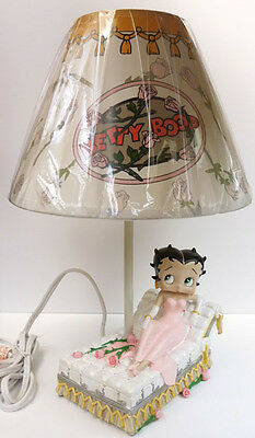 Betty Boop Bed Of Roses Lamp, Item 10343