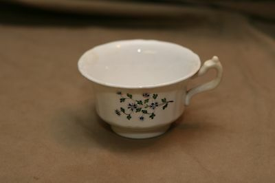 Antique 19th C Softpaste Porcelain Tea Cup Hand Painted Sprig Pattern Applied Ha