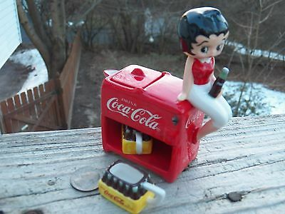 NIB Coca Cola Betty Boop Porcelain Mini Tea Set