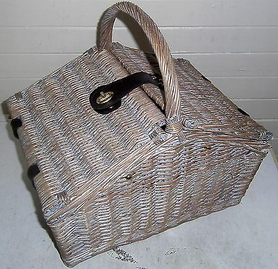 lovely cane picnic basket (new and unused)