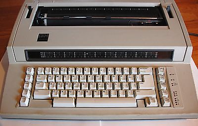 Vintage IBM ActionWriter 1 Electronic Typewriter Wheelwriter 6715-001