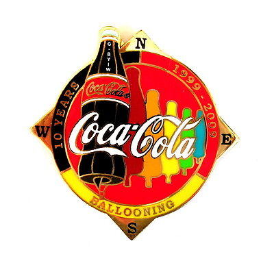 """COCA COLA """"SPECIAL SHAPE"""" Pin / Pins - FLASCHE """"10 YEARS"""" rot / G-BYIW [3692]"""