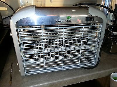 Vermatic Electric 220V Light Mosquito Killer Fly Bug Insect Zapper
