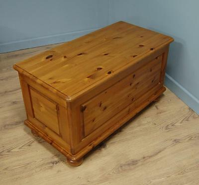Quality! Ducal Solid Pine Chest / Blanket Box / Toy Trunk Victoria Range