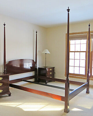 KINDEL FURNITURE Queen Size Four Poster Bed