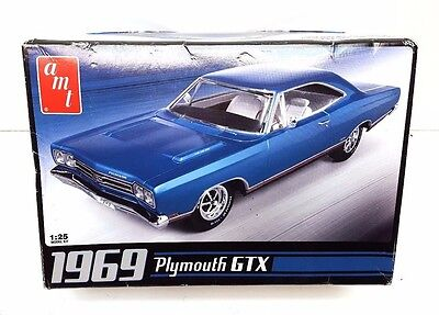 AMT 1969 Plymouth GTX 1/25 Scale Plastic Model Car Kit AMT686