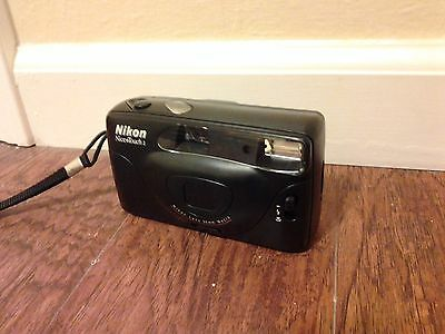 Nikon Nice Touch 2 Point & Shoot Camera 35mm w/ Case
