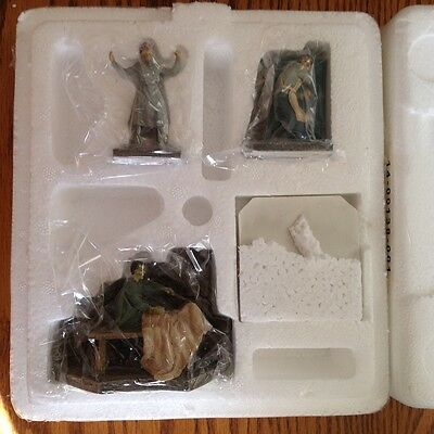 """Hawthorne Village Universal Monsters """"Its Alive"""" Accessory Set"""