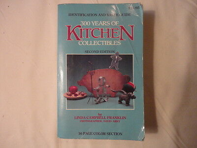 Vintage Kitchen Collectibles  Price Guide   Softcover   1984