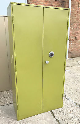 Used High Security Double Door Safe / Cupboard [Chubb MK4 Manifoil Lock] Green