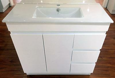 900x400mm COMPACT BATHROOM VANITY WITH CERAMIC TOP AND FINGER PULL CABINET