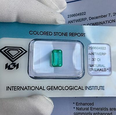 FINE Natural Colombian Emerald 1.37ct TOP GRADE Vivid Green IGI CERTIFIED Rare
