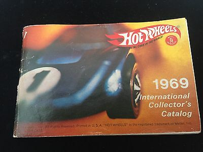 Hot Wheels 1969 International Collector's Catalog Mini Booklet Red Line Vintage
