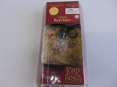 THE LORD OF THE RINGS THE TWO TOWERS LIGHT UP KEYCHAIN NEW  gm507