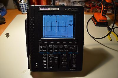 Tek Tektronix THS720A Handheld Digital Oscilloscope 100Mhz 500MS/s + Multimeter