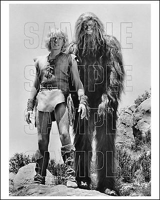 BIGFOOT AND WILDBOY 8X10 Photo 01 RAY YOUNG & JOSEPH BUTCHER