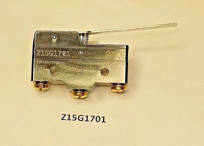 Z15G1701 Highly momentary long lever snap action SPDT 15 Amp 250 VAC switch