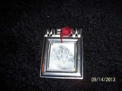 Cat Picture Frame With Ball Of String On Top New Out Of The Box