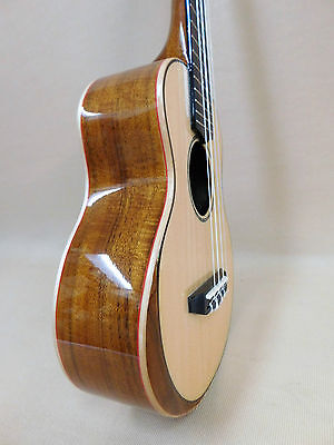 Caraya UK-23 Premium Soprano Ukulele - Solid Spruce Bevelled Top + 3 Picks