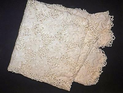"""Exquisite Hand Crocheted Antique 64"""" X 68"""" Bedspread/throw/tablecloth"""
