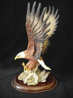 """HOMCO  1986 Masterpiece Porcelain 12"""" Tall EAGLE with seperate stand"""