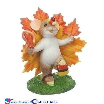 Charming Tails 130459 Harvest and Halloween Mouse On Maple Leaf 2017