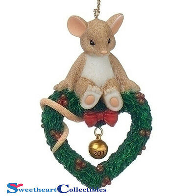 Charming Tails 130448 Mouse on Wreath Ornament Dated 2017