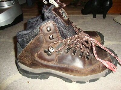 3fdc9103cb30 WOMEN S TIMBERLAND BOOTS Brown Leather Hiking Size 9 -  29.99